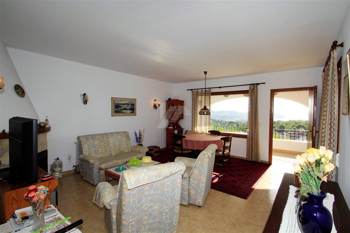 Bungalow en venta en Moraira, CostaBlanca en mar vista.