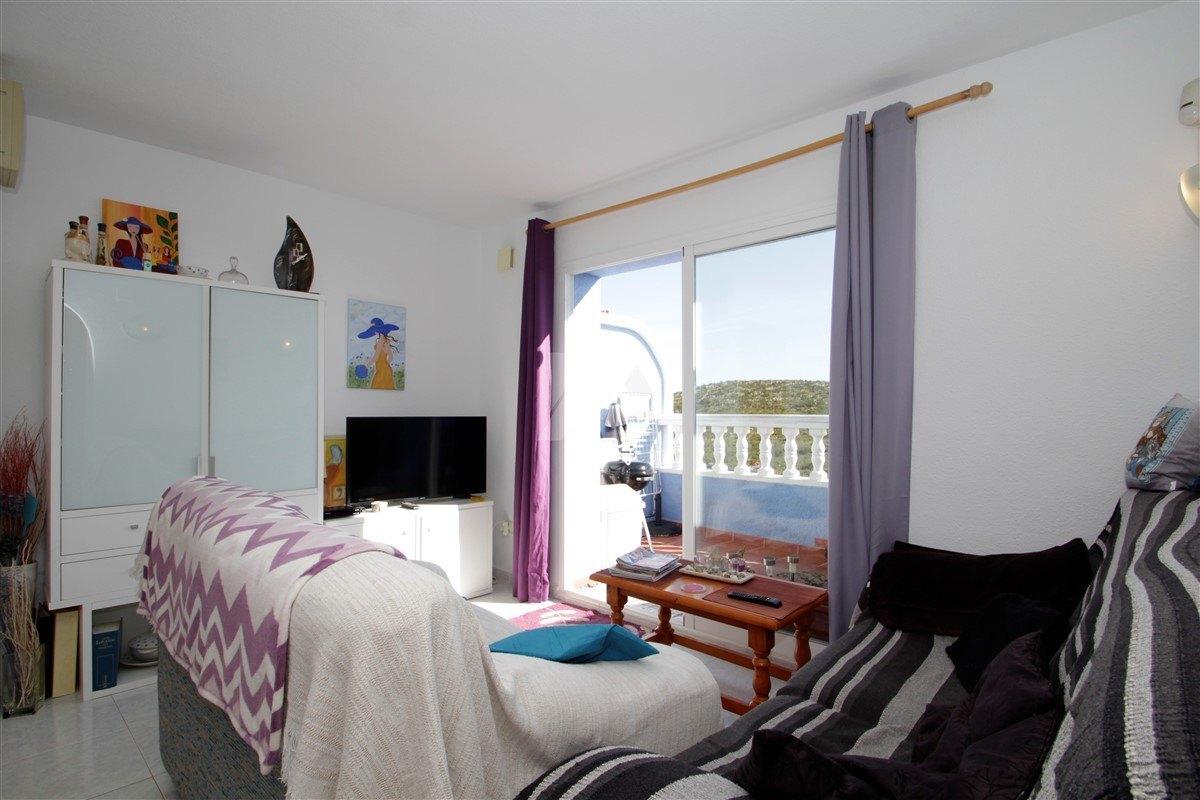 Apartamento con vistas al mar en venta en Benitachell, Costa Blanca.