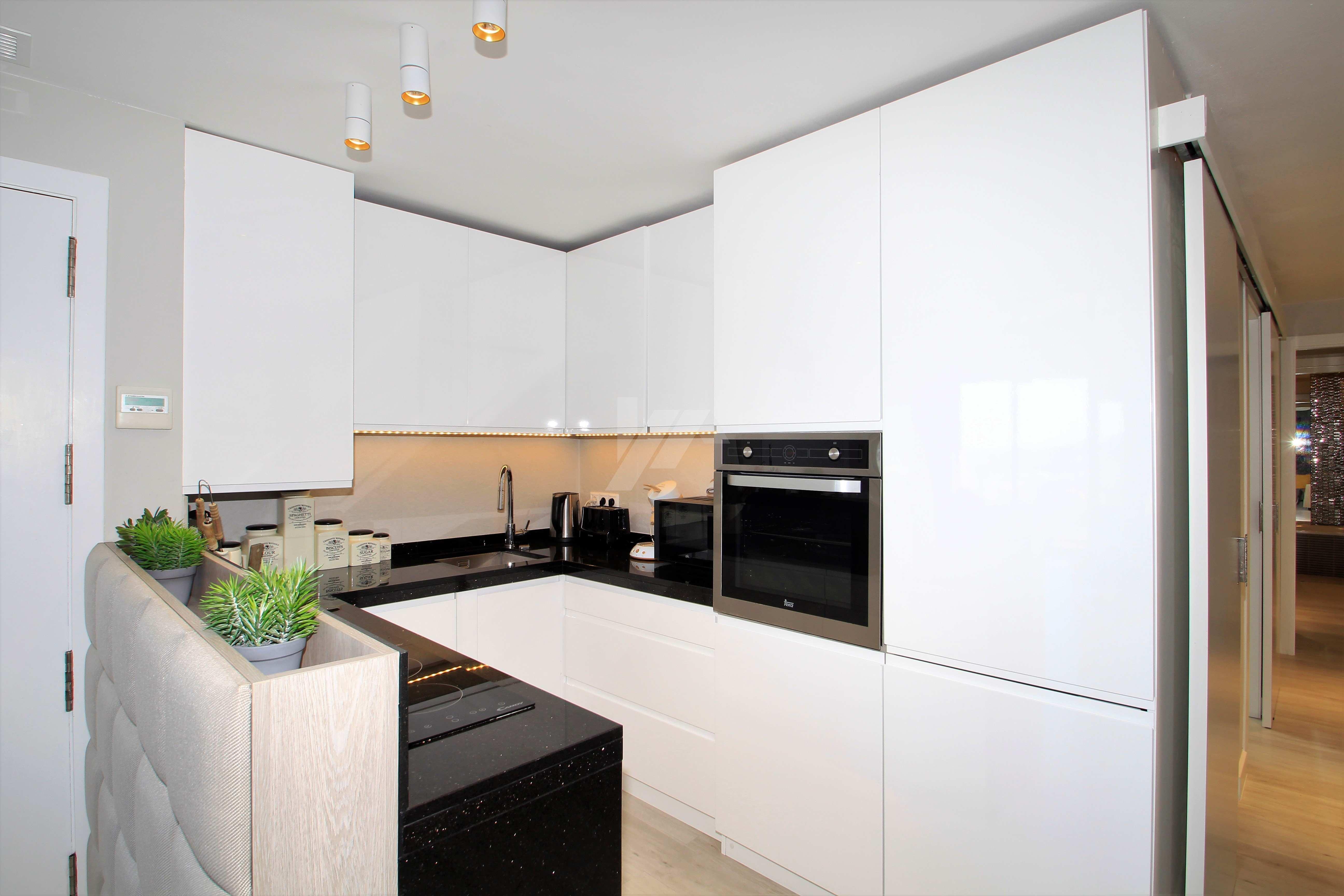 Moderno apartamento en venta en Benitachell, con vistas al mar