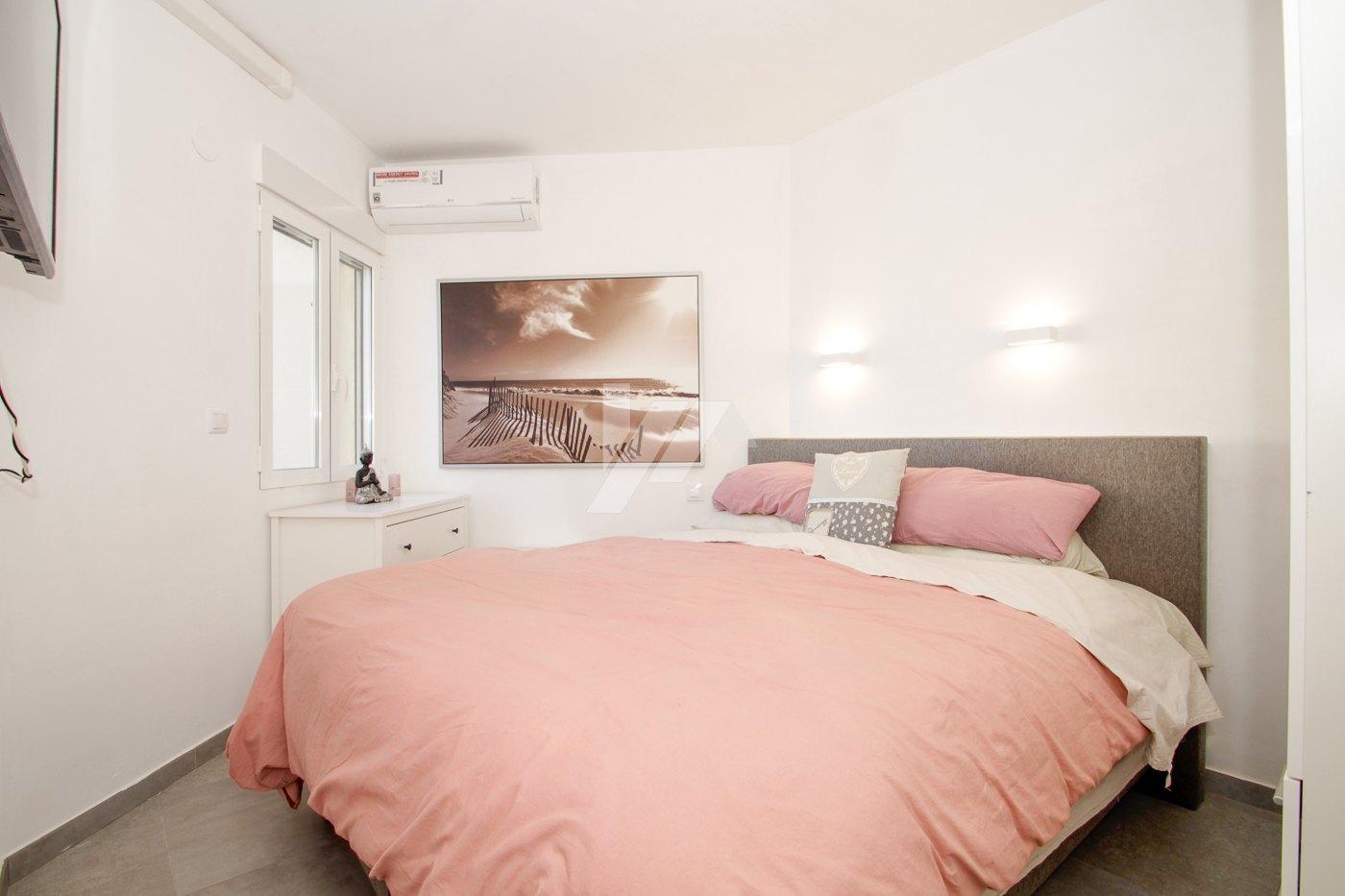 Apartamento de lujo con vistas al mar en venta en el centro de Moraira.